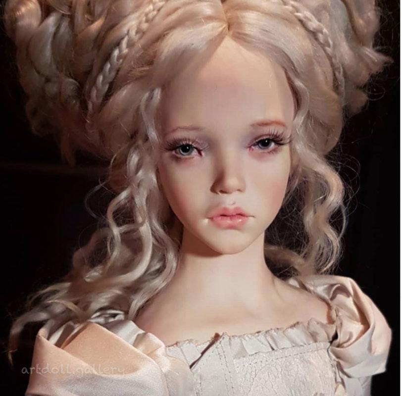 Juno and Diana Art Dolls by Natali Voro